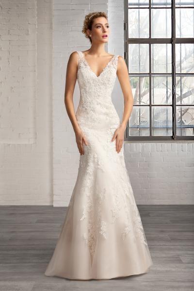 Svatební šaty Antonella  f562c74a5b